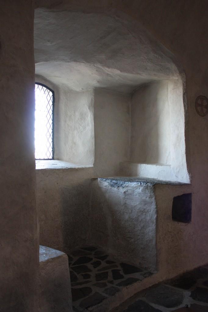 kappelin-ikkuna-aukko-pysty